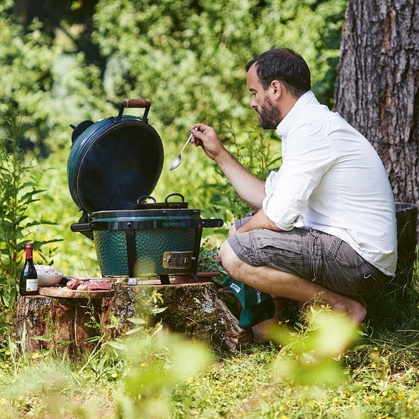 James Whetlor, award-winning author of Goat: Cooking and Eating, will show you how to get the most out of the Big Green Egg, maximising flavour with every cook. From what fuel to choose, to what ingredients to buy, to how to grill, smoke, bake and more.