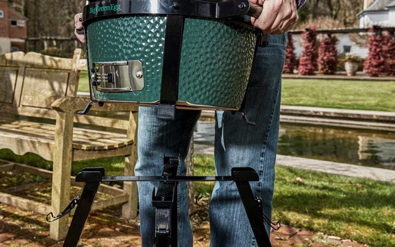MiniMax Big Green Egg and Foldable Stand assembly