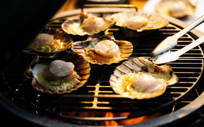 Searing Scallops on a Large Big Green Egg