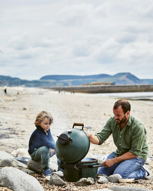 Cooking on the Minimax on the beach