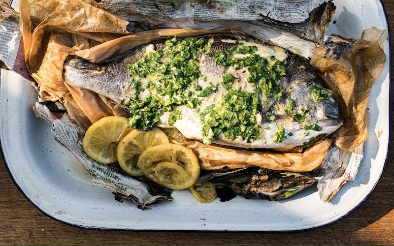 Whole fish in newspaper | Tom Kerridge | Big Green Egg