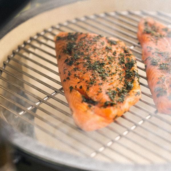 Smoking Salmon with the convEGGtor | Big Green Egg