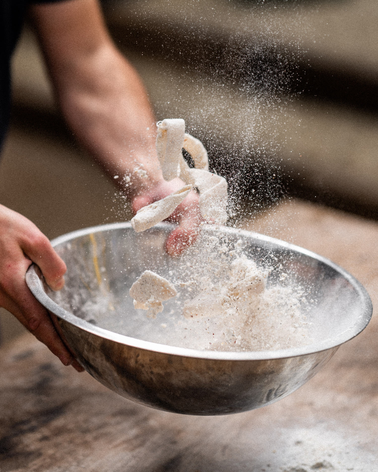 mix the flour and squid
