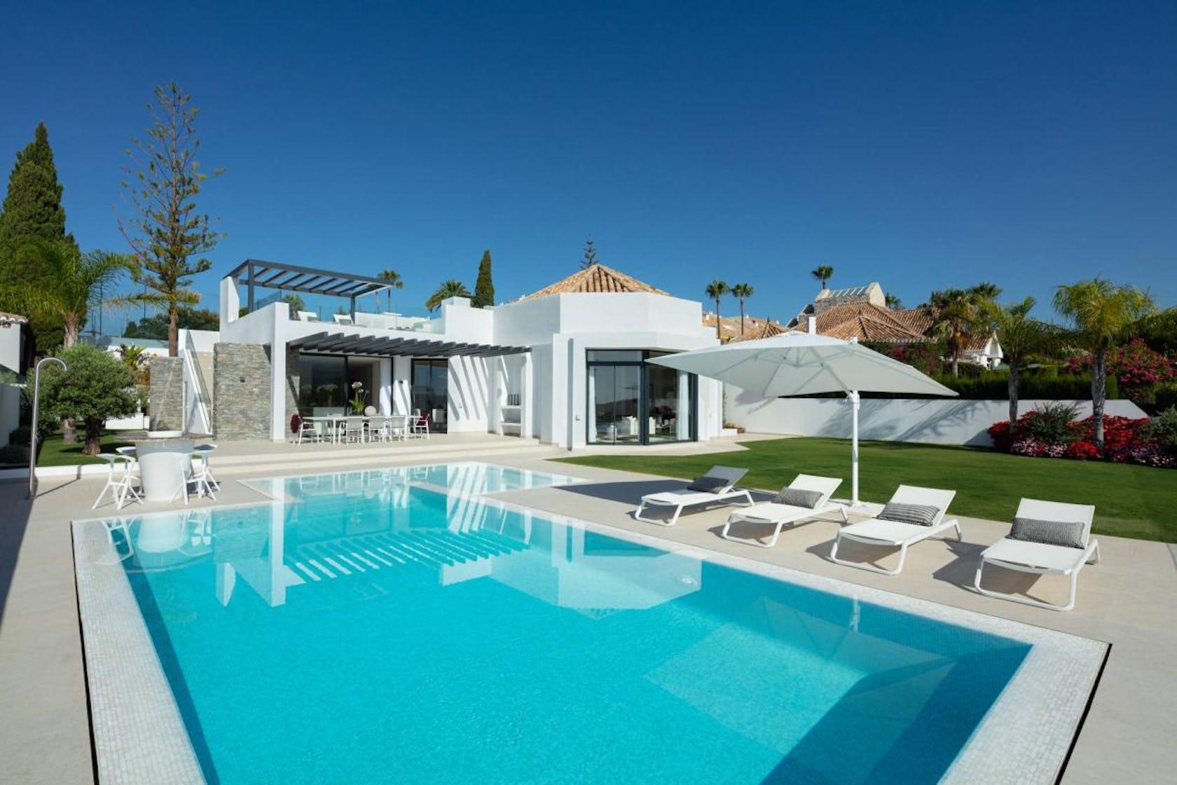 pool water villa housing house building swimming pool