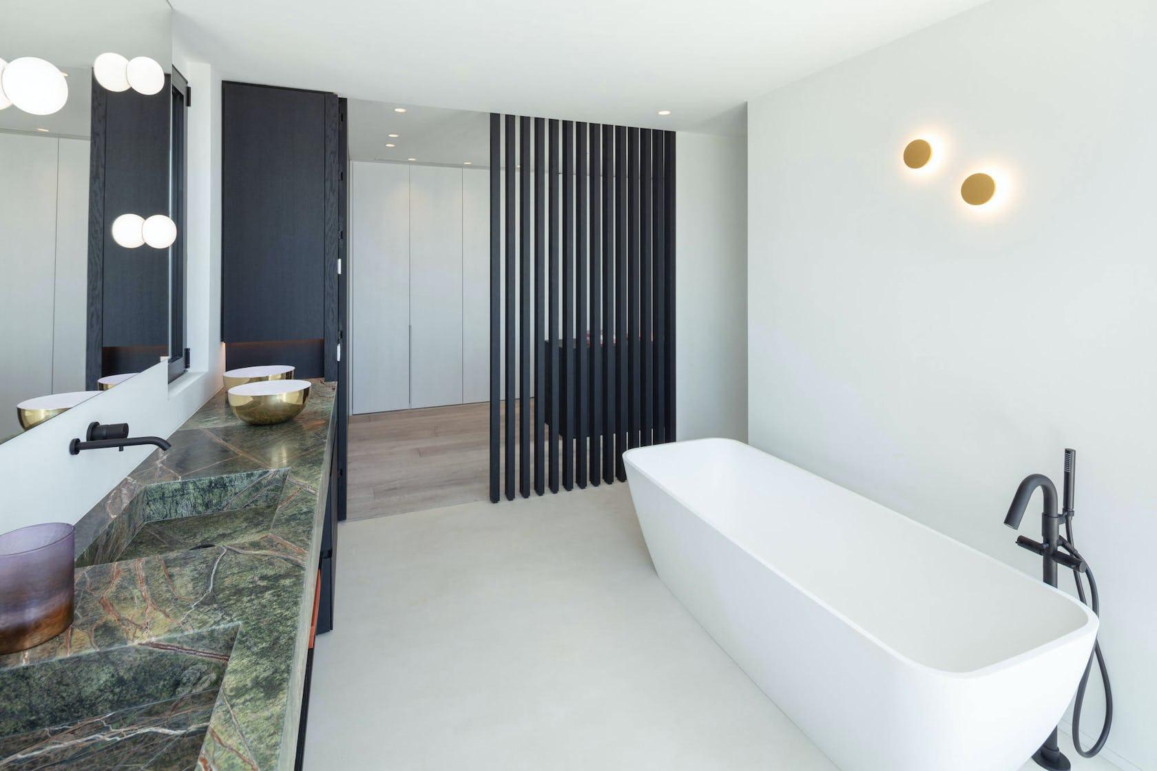 bathtub tub room indoors corner