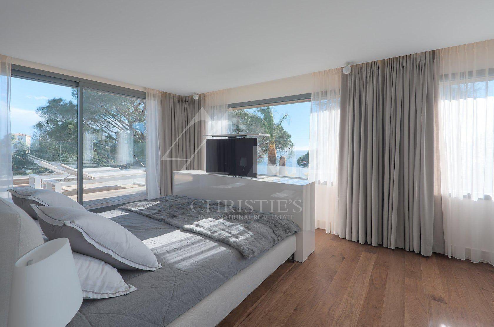 interior design indoors flooring furniture bedroom room home decor bed wood cushion