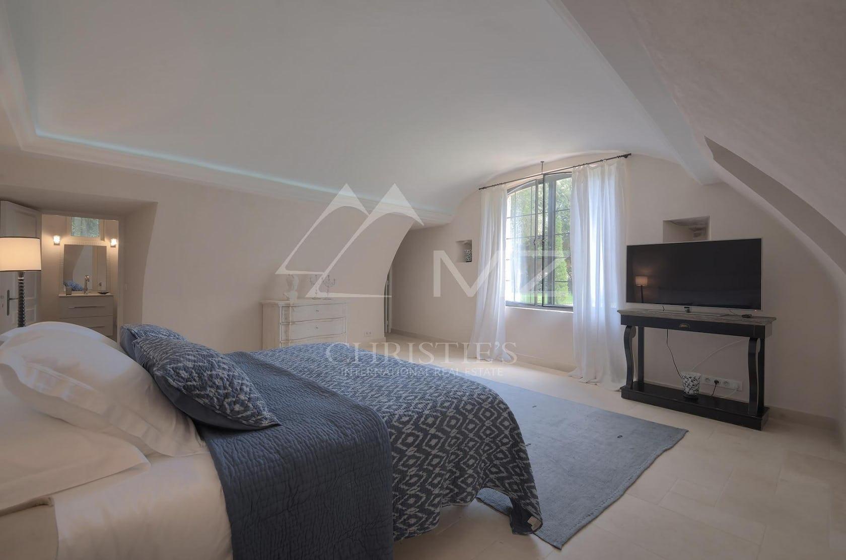 bedroom indoors room furniture interior design bed flooring