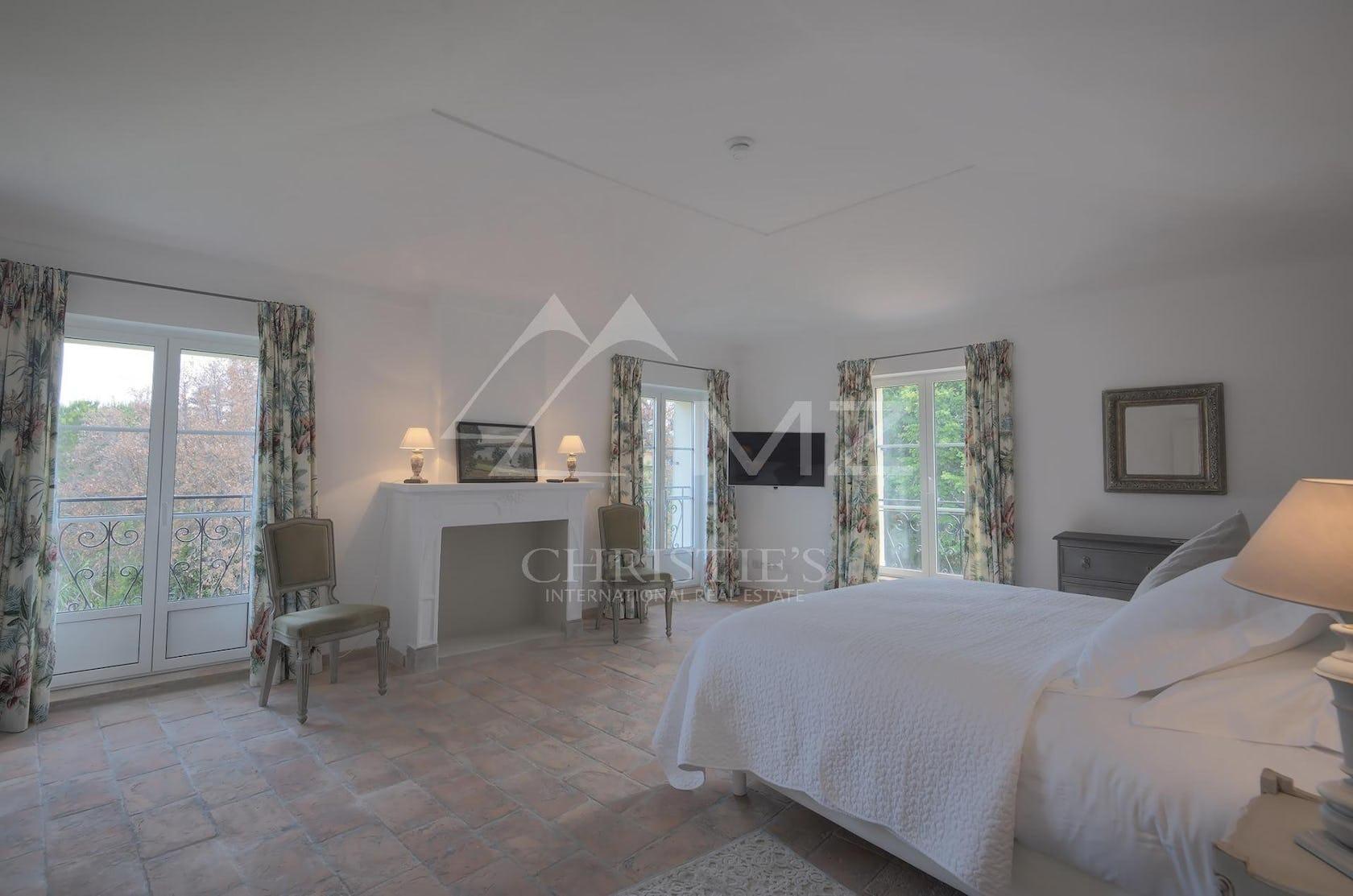 flooring floor bed furniture interior design indoors bedroom room living room