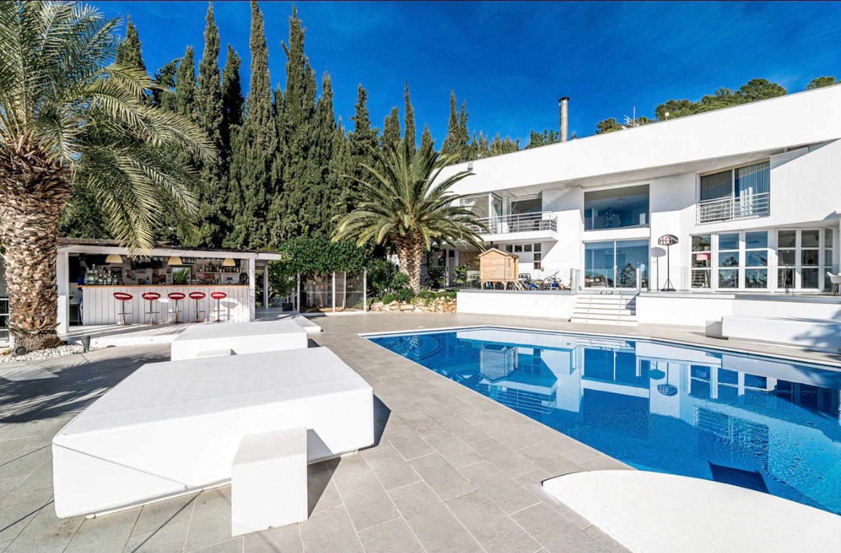villa housing building house pool water