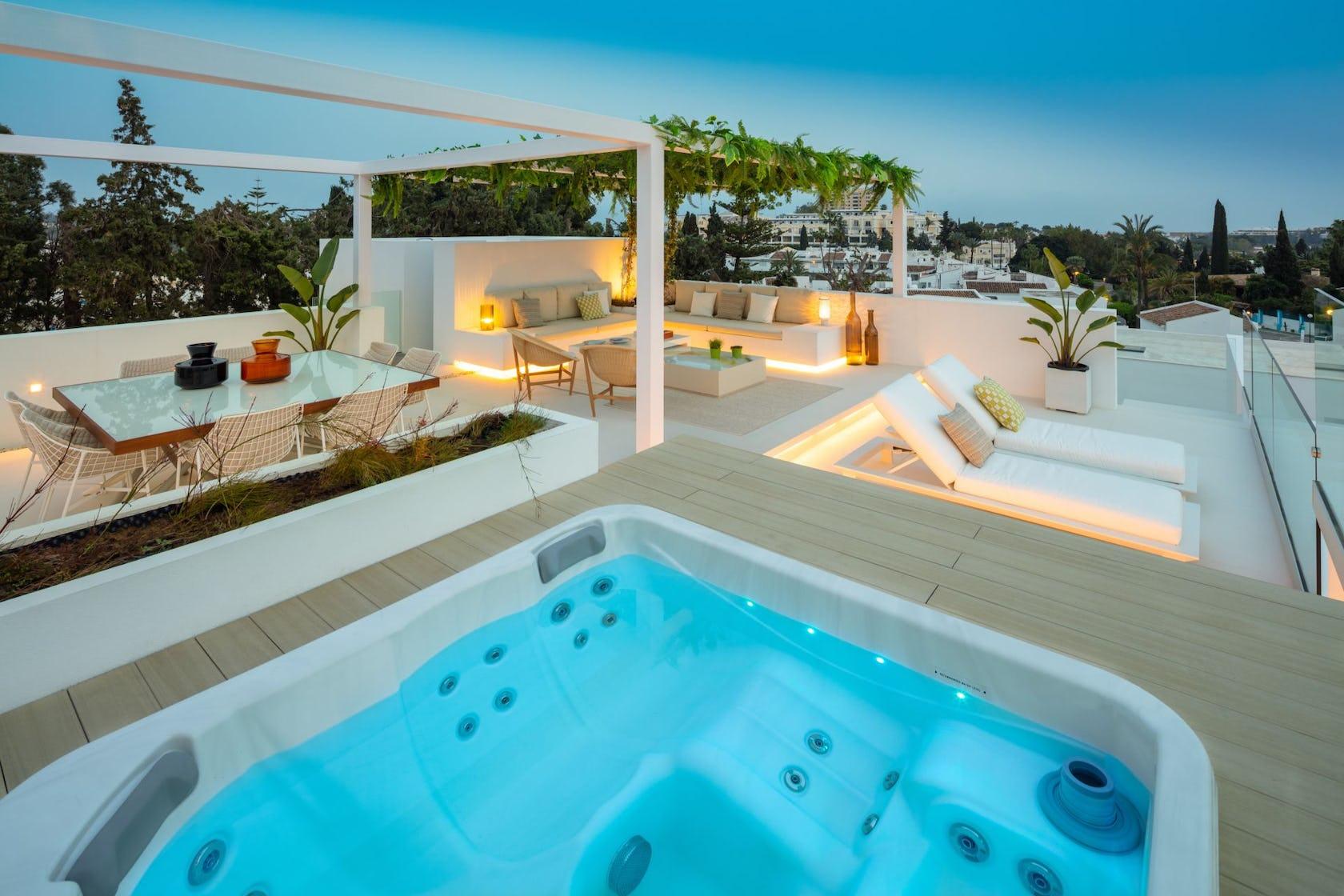 jacuzzi hot tub tub