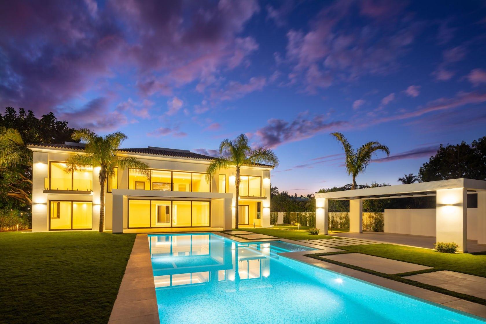 villa housing building house pool water mansion swimming pool
