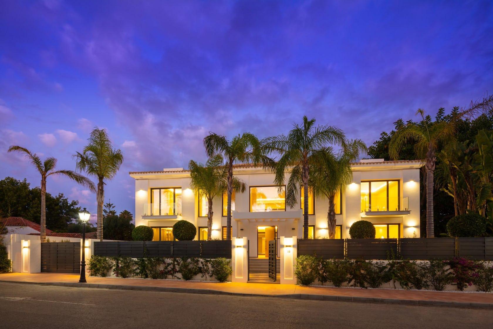villa housing building house mansion hotel