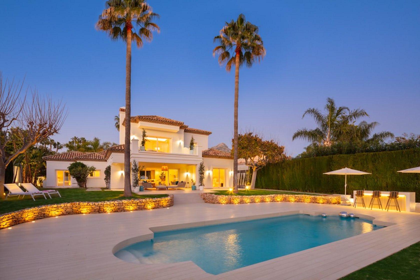 villa building housing house hotel pool water resort mansion