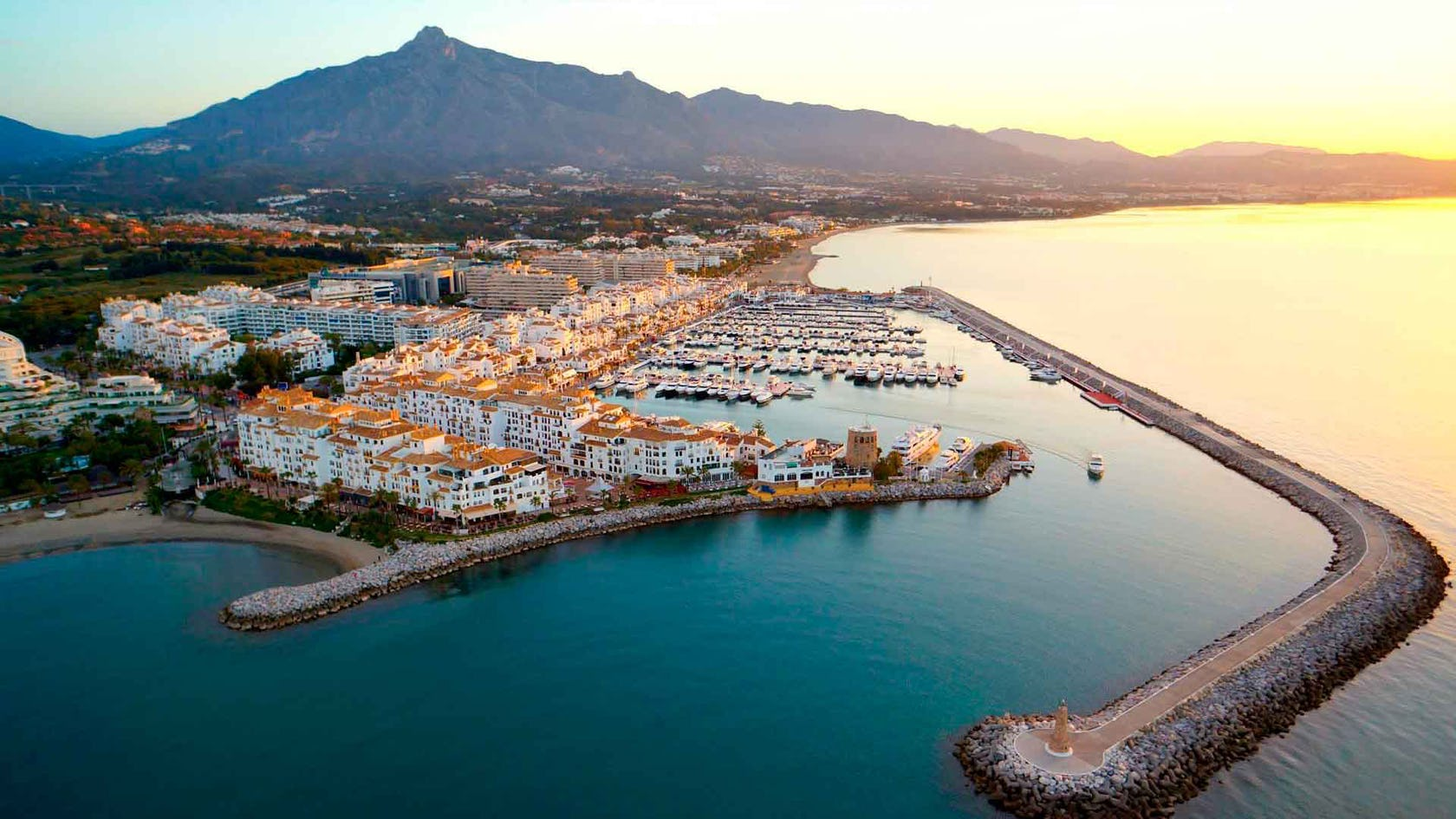 4 reasons to invest in real estate in Marbella