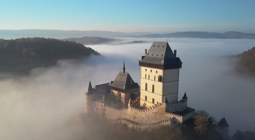 Cover Image for KARLŠTEJN. building,castle,architecture,nature,outdoors,weather,fort,spire,monastery,fog