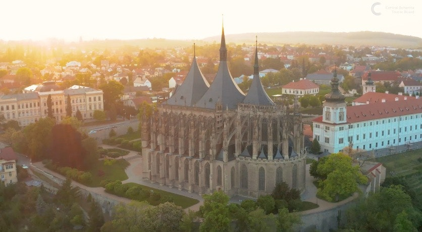 Cover Image for KUTNÁ HORA. architecture,building,spire,tower,landscape,outdoors,nature,scenery,mansion,palace