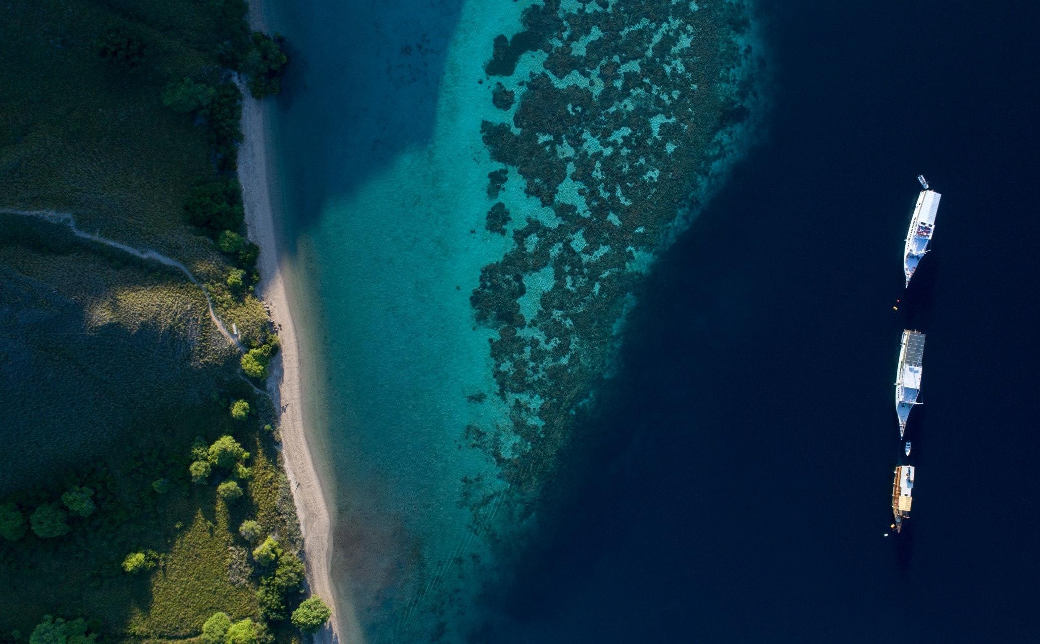 land,nature,outdoors,sea,water,shoreline,landscape,scenery,coast,beach