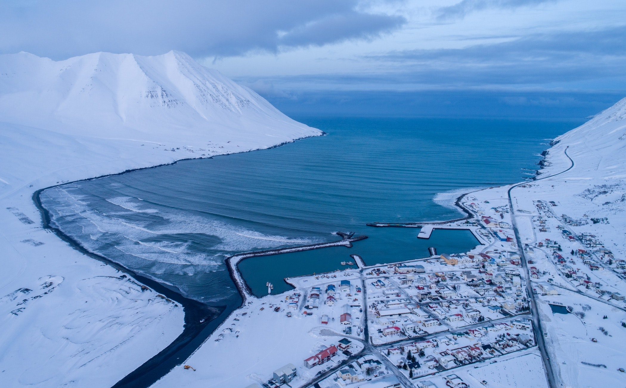 nature,outdoors,scenery,ice,mountain,landscape,snow,land,aerial view