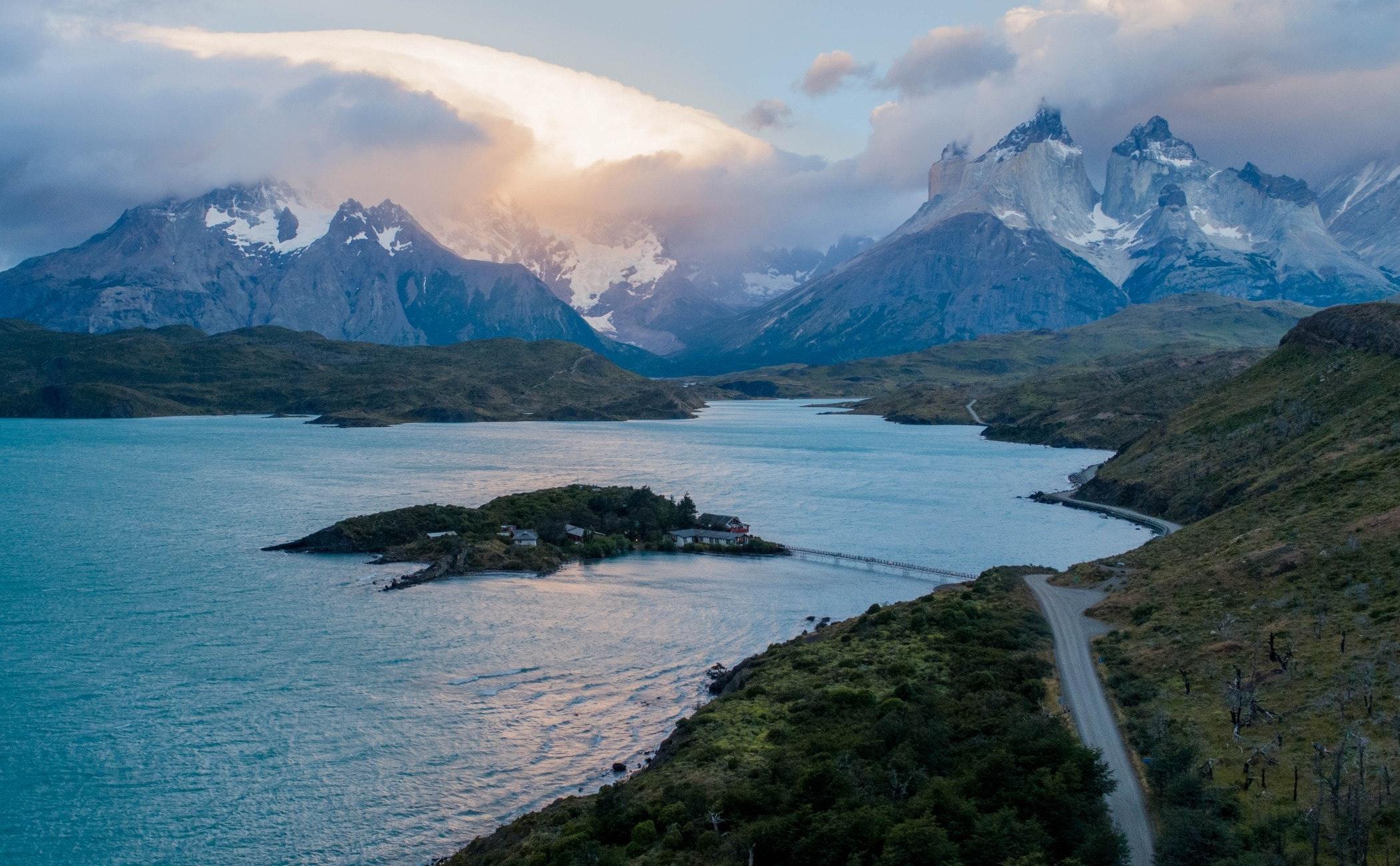 nature,outdoors,land,mountain,shoreline,water,sea,mountain range,ice,promontory