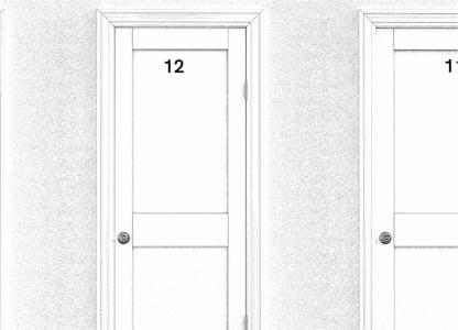 Drzwi obok siebie, o numerach 12 i 13