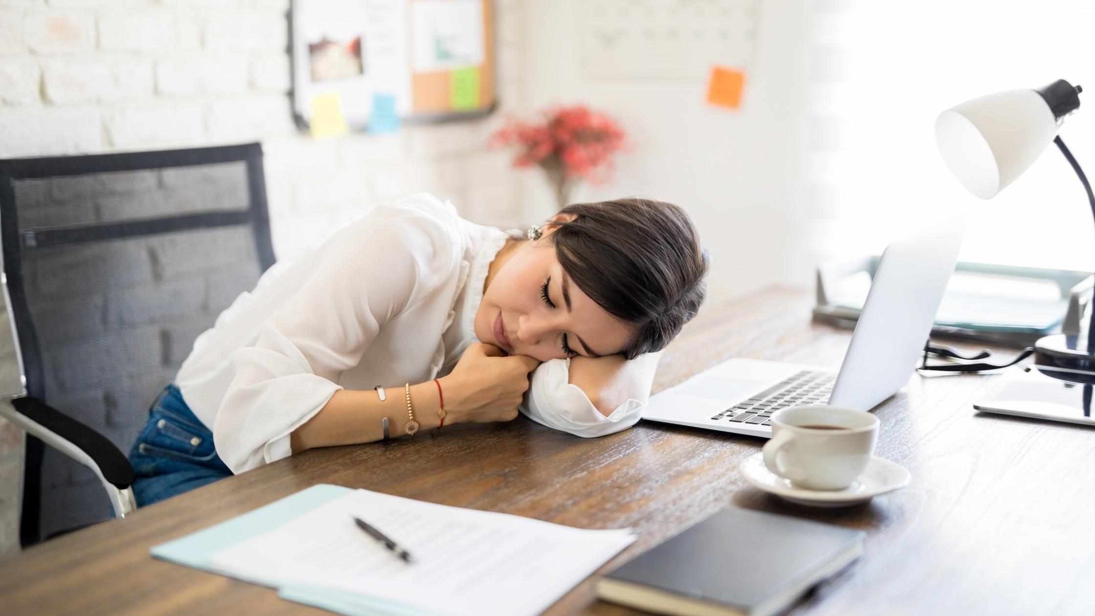Australians face long working hours