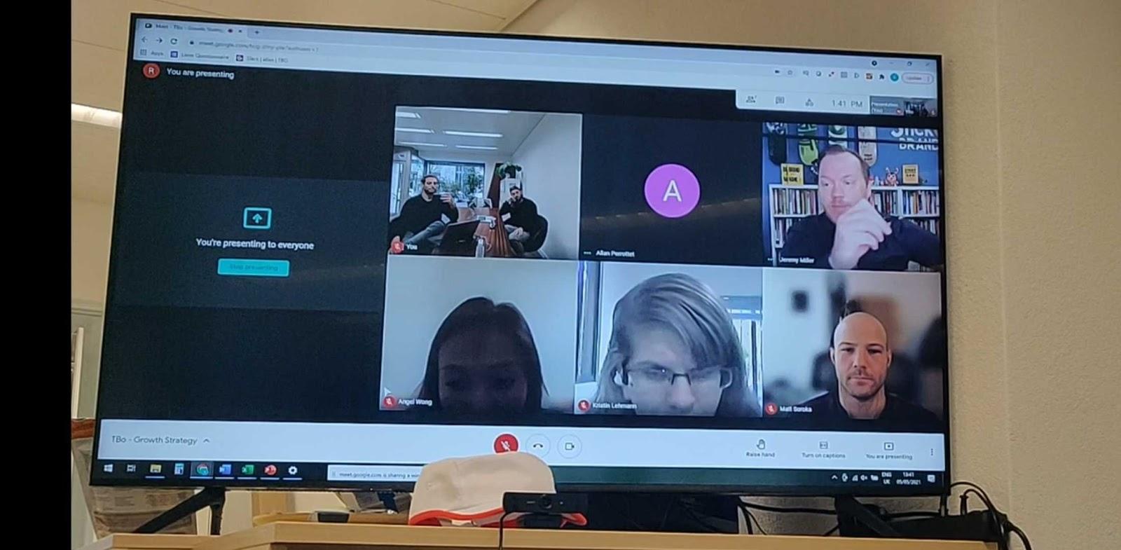 The TBô team brainstorms during a virtual meeting.