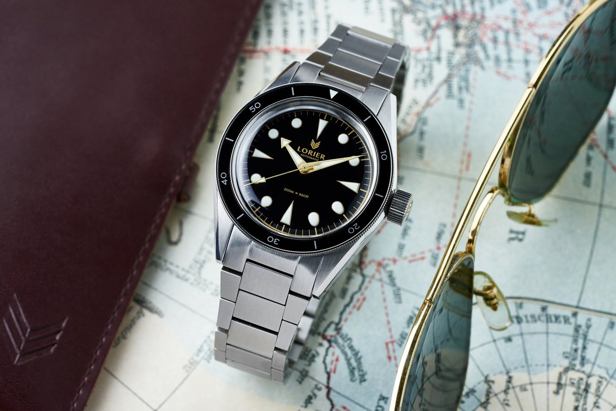 Image of a lorier neptune watch with black dial and steel strap