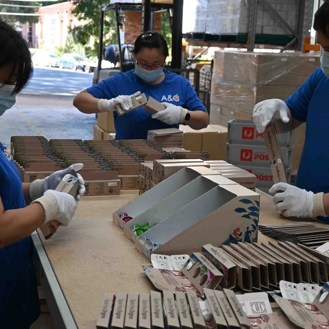 A&O pick and pack fulfilment team preparing a product sampling campaign.