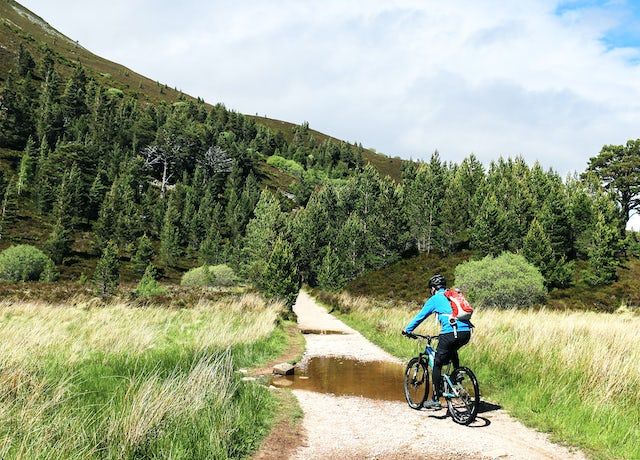 Cycling in Cairngorms