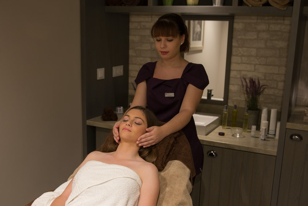ELEMIS beauty therapy