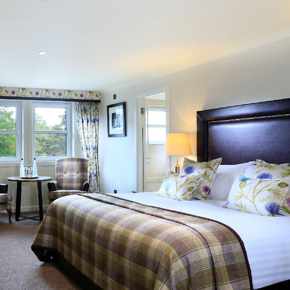 Morlich Hotel Room