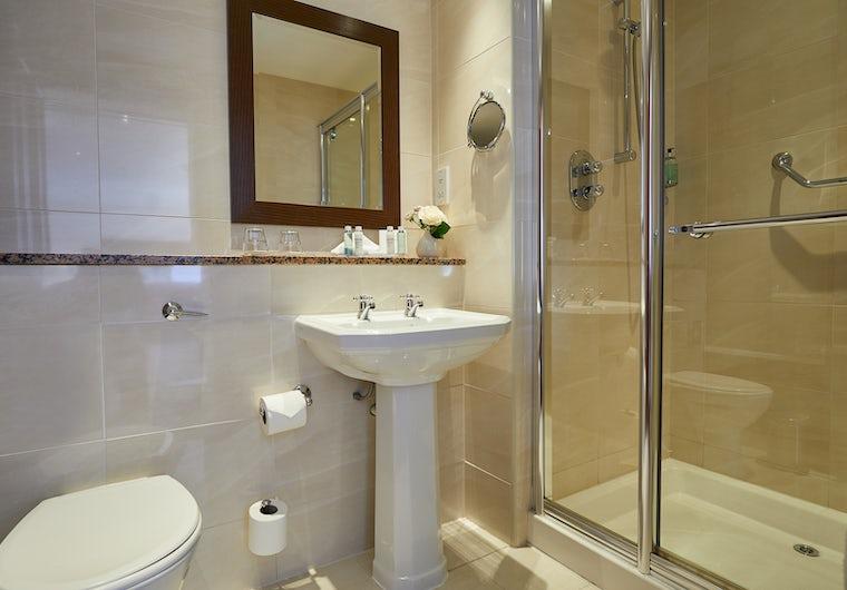 Twin Bath Drumossie