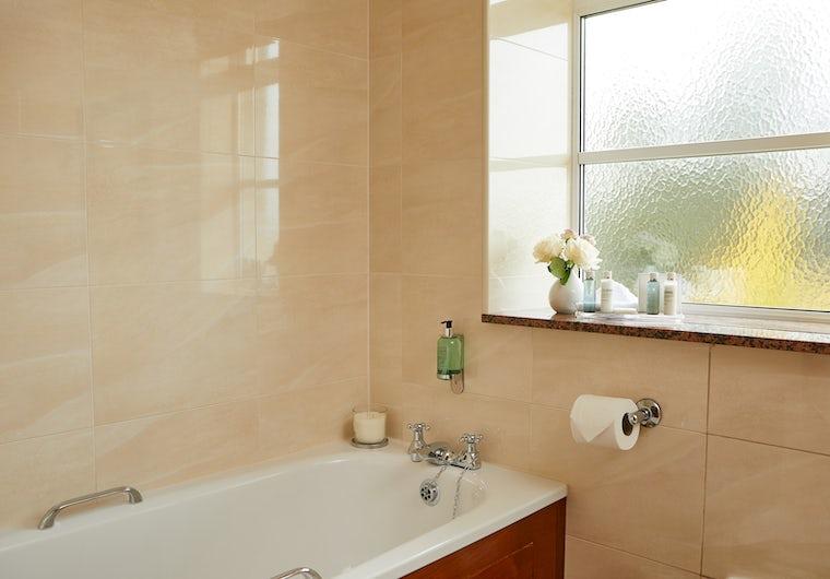 Standard Double Bath Drumossie