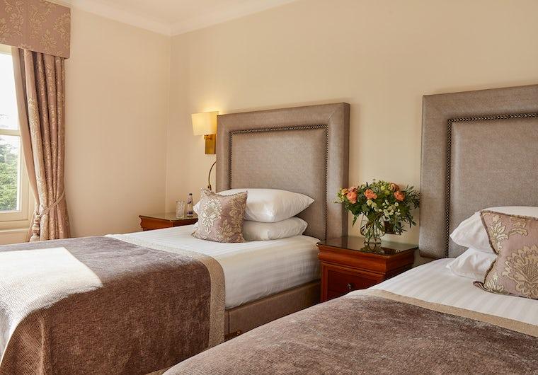 Standard Twin Room Bath Spa