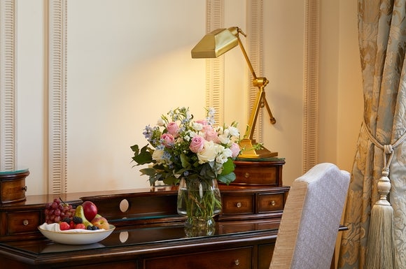 Presidential Suite Lounge Flowers