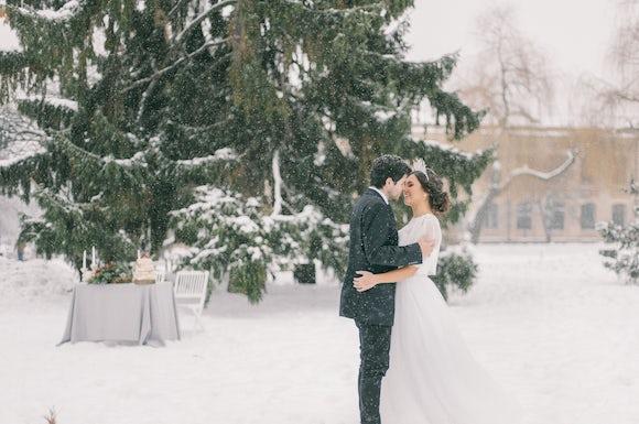 Twixmas Wedding in Snow