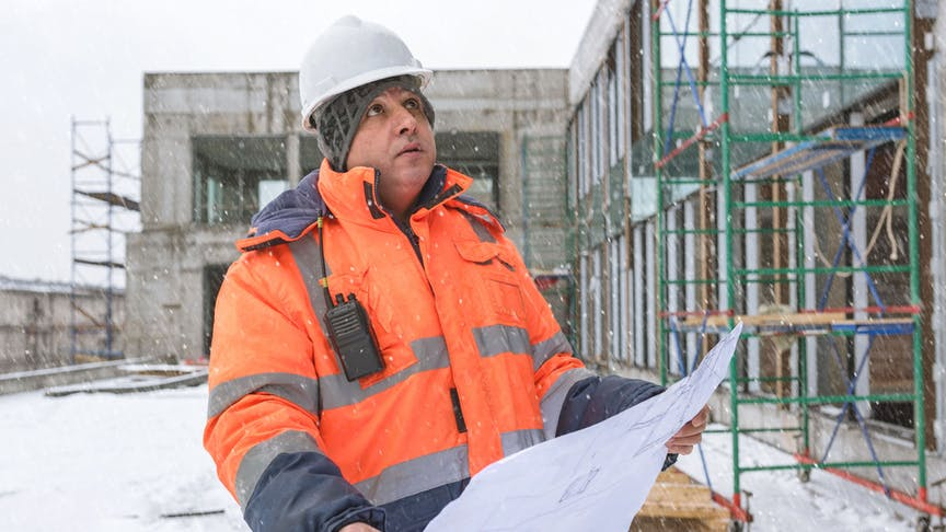 Veilig op de weg in de winter, vier tips voor bouwbedrijven