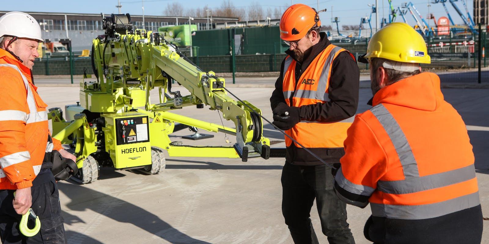 AMC set up c6 electric crane