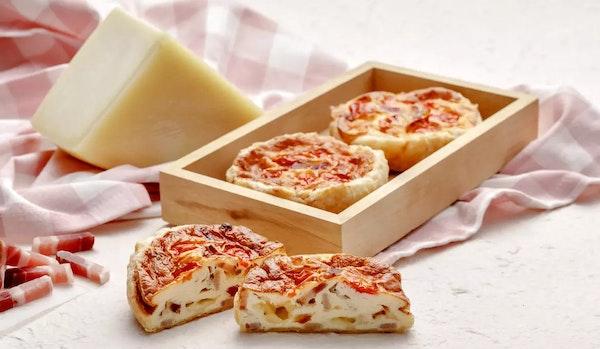 Tartelletta di sfoglia con pancetta pomodoro e Santa Teresa