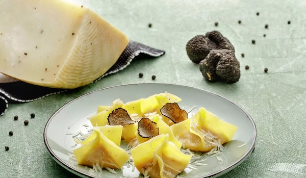 R065 e25-tortelli-di-zucca-pecorino-tartufato
