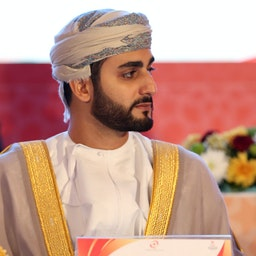ذی یزن بن هیثم فرزند ارشد سلطان عمان در حال دیدار از شورای المپیک آسیا، شهر مسقط. ۲۶ آذر ۱۳۹۹. (عکس از گتی ایمیجز)