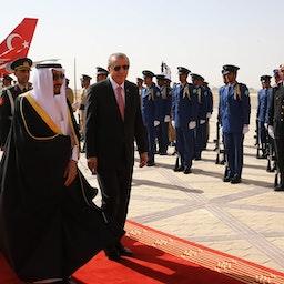 Saudi Arabia's king welcomes Turkey's president in Riyadh on March 2, 2015 (Photo via Getty Images)