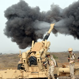 Saudi troops fire towards Yemen from the Saudi-Yemeni border, southwestern Saudi Arabia, on April 13, 2015 (Photo via Getty Images)