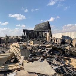 صورة تظهر الأضرار التي ألحقتها الصواريخ الإيرانية بقاعدة عين الأسد الجوية العسكرية في الأنبار، العراق، يناير/ كانون الثاني 2020 (الصورة عبر غيتي إيماجز)