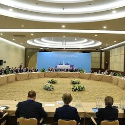(تواصلت الجولة الخامسة عشر من محادثات السلام السورية في مدينة سوتشي الروسية في 17 فبراير/شباط 2021 (الصورة عبر غيتي إيماجز