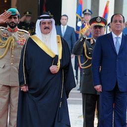 استقبال رئیس جمهور مصر از پادشاه بحرین؛ قاهره، ۷ فروردین ۱۳۹۶/ ۲۷ مارس ۲۰۱۷ (عکس از گتی ایمیجز)