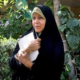 Faezeh Hashemi standing outside a courthouse. Tehran, Aug. 7, 2013. (Photo by Mohammad Ali Marizad via Tasnim News Agency)
