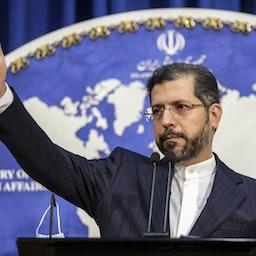 المتحدث باسم الخارجية الإيرانية سعيد خطيب زاده في مؤتمر صحفي في طهران، 4 يناير/كانون الثاني 2021 (تصوير شهاب قيومي عبر وكالة مهر للأنباء)
