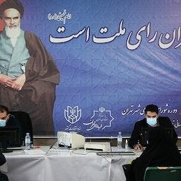 تسجيل مرشحين لخوض انتخابات مجالس البلدية الإيرانية. طهران، ايران. 15 مارس/آذار 2021 (تصوير ناصر جعفري عبر وكالة تسنيم الاخبارية)