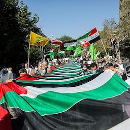 الإيرانيون يحتشدون للتضامن مع الفلسطينيين وسط أعمال العنف في غزة. طهران، إيران، 13 مايو/أيار 2021 (تصوير مسعود شهرستاني عبر وكالة تسنيم الإخبارية)